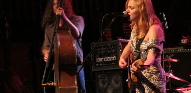 Lydia Loveless performs on 'Sound Opinions'