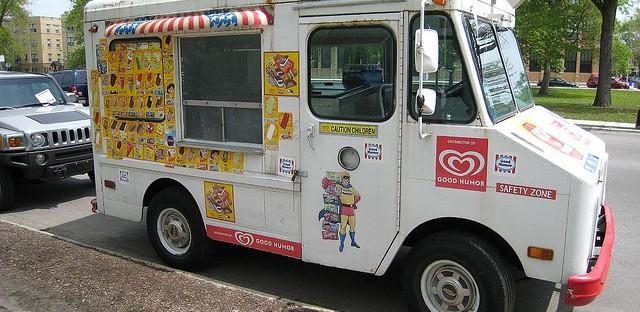 Alderman wants to revisit food truck ordinance in light of ice cream trucks
