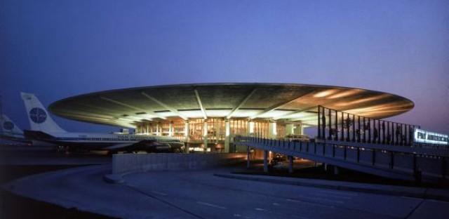 JFK airport's futuristic Pan Am terminal meets demolition