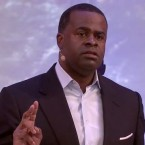"""""""Cities are where you can see your mayor in a grocery store."""" — Kasim Reed"""