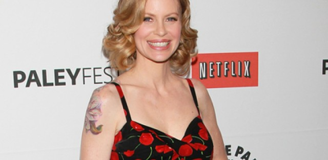 'True Blood' star Kristin Bauer stops by Chicago Comic and Entertainment Expo