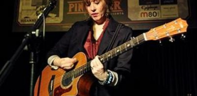 Suzanne Vega on her career and new acoustic recordings