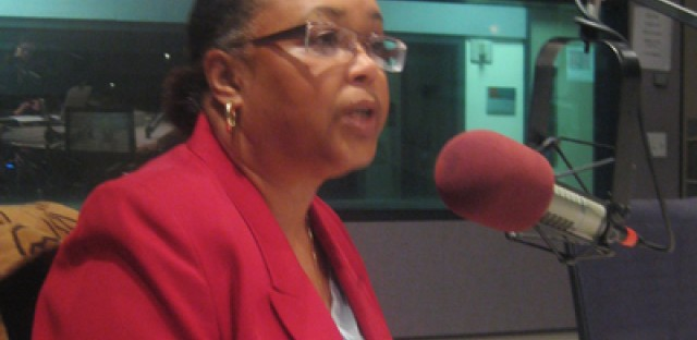 6th Ward candidates Fredderinna Lyle and Roderick Sawyer debate in advance of the runoff election