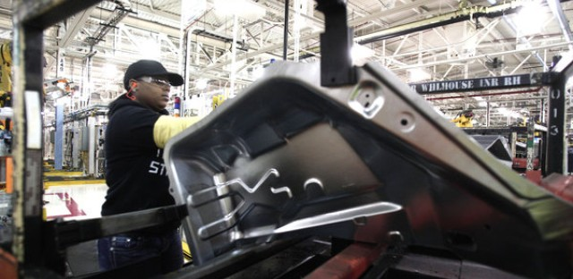Obama Celebrates 'Durable Economy' as Unemployment Drops Below 5 Percent