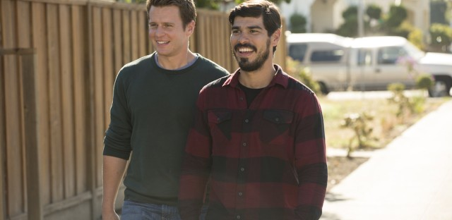Ask Me Another : Jonathan Groff And Raúl Castillo: Looking For Answers (R) Image