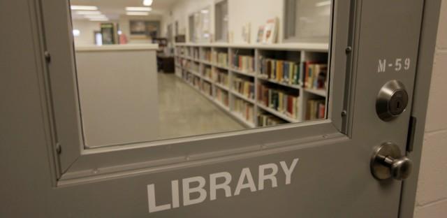 Illinois prison library
