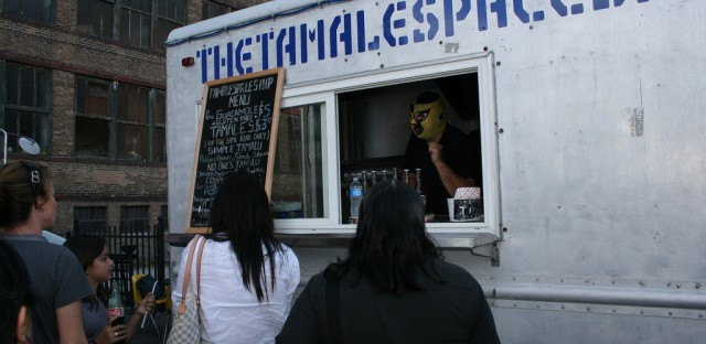 Schnitzel King, Cupcakes for Courage fighting Chicago food truck law