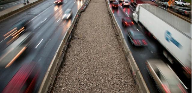 Traffic congestion's carbon footprint