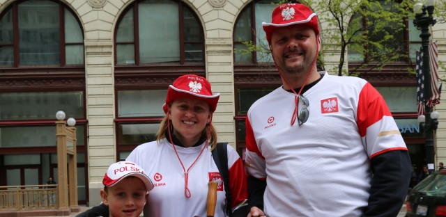 Jan and Ewelina Pietraszek have lived in Chicago for 13 years, and they never miss the Constitution Day Parade. In the 2016 event, they walked with the Holy Trinity Polish School.