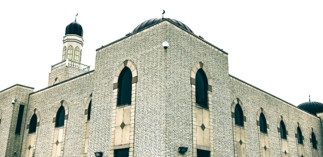 The Mosque Foundation in southwest suburban Bridgeview, founded by Palestinian immigrants in 1954, is among the larger mosques and Muslim community centers in the Chicago area. (WBEZ photo)