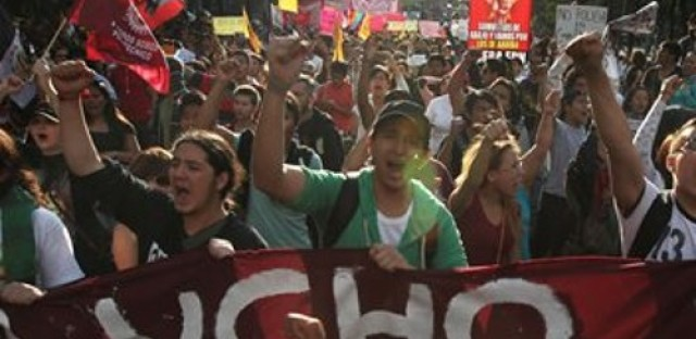 Unrest in Mexico, Ukrainian-Americans call for institutions for Ukraine, and aid work in Philippines