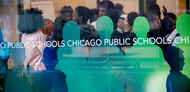 Chicago's inspector general's office says the 70 Chicago police officers stationed in Chicago public high schools lack training, clear direction, and oversight.