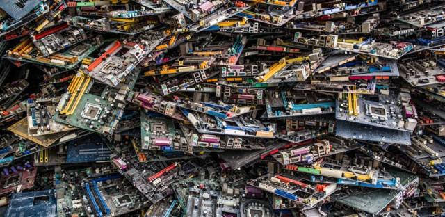 An e-waste recycling factory in Guiyu, China.