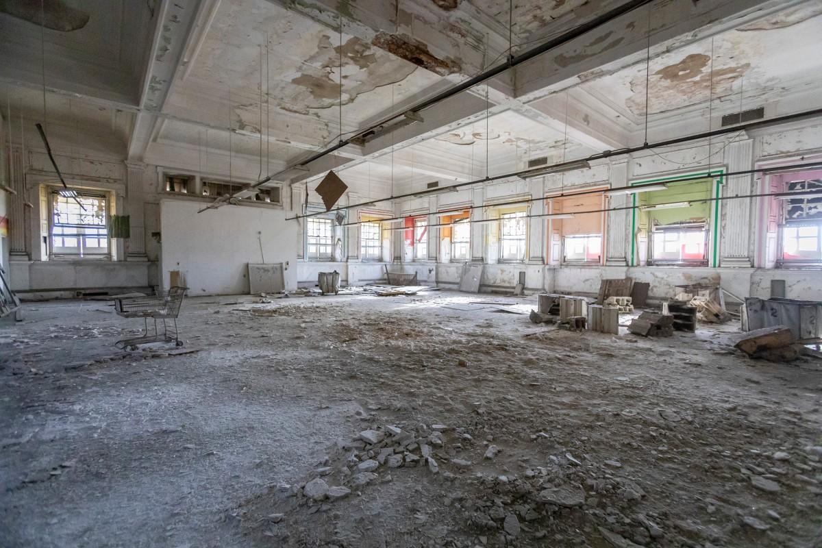 The main floor of the Stockyard bank building