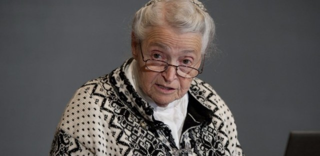 Mildred Dresselhaus, winner of the Kavli Prize and the Presidential Medal of Freedom, speaks in Bergen, Norway, in 2012. (Marit Hommedal/Flickr)