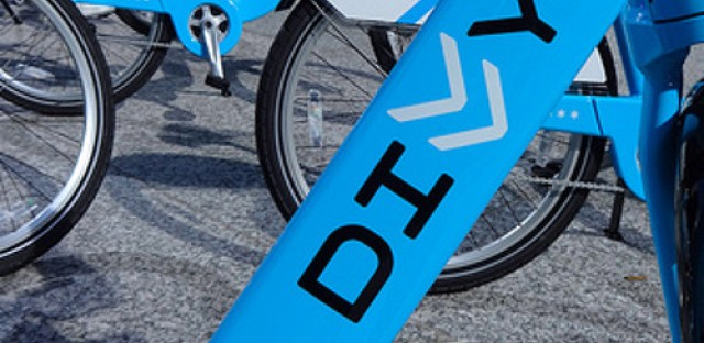 How many riders are hopping on Divvy bikes?