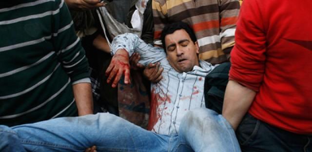 Pro-Mubarak forces crack down on Tahrir Square protestors