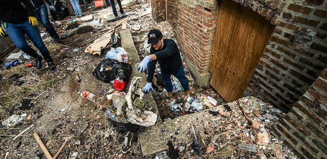 A show of faith: Volunteers clean up the grounds of imperiled former North Lawndale synagogue