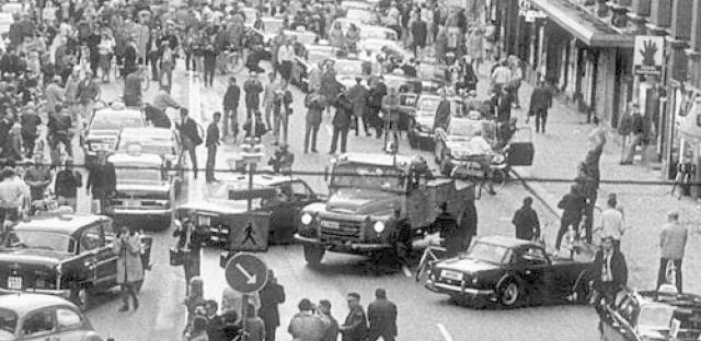World History Minute: Swedes switch to the right side of the road (Sept. 3, 1967)