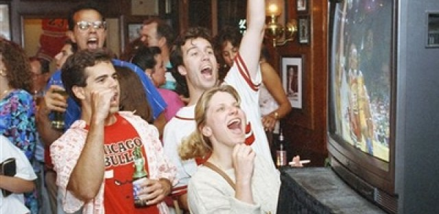 Is tonight the biggest night in Chicago sports (bar) history?