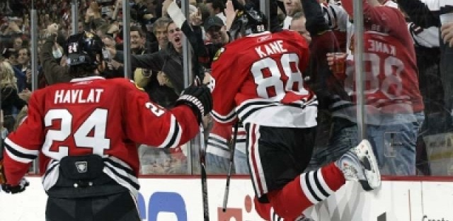 Tab Bamford tests fans' Blackhawks IQ