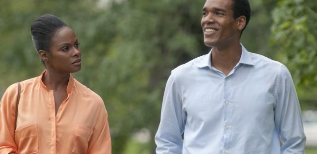 In Southside With You, Michelle Robinson (Tika Sumpter) and Barack Obama (Parker Sawyers) embark on a long first date.