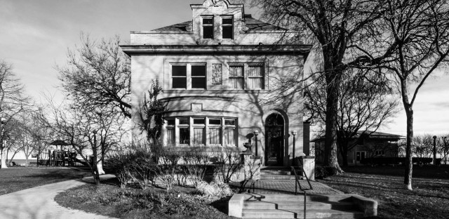 Four old Sheridan Road mansions could become Chicago's next landmarks