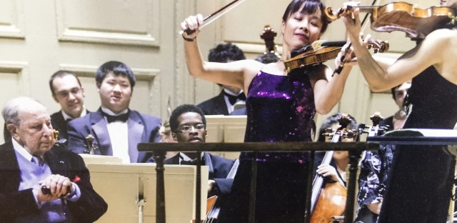 Roman Totenberg with violinist Mira Wang (center) in 2010 in Boston.