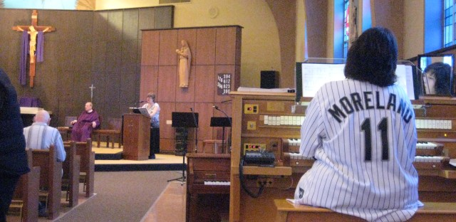 New White Sox organist is simply divine