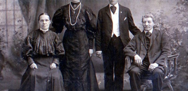 Polish family group, 1907