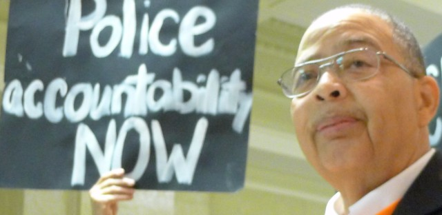 In mayoral campaign's 11th hour, Emanuel meets with critics of police