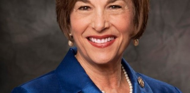 Congresswoman Jan Schakowsky looks past shutdown and ahead to immigration talks
