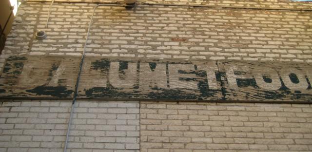 Chicago Bronzeville residents hope liquor ban improves quality of life
