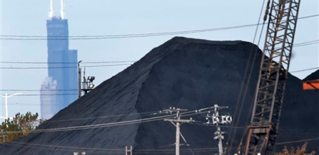 State, city move to crack down on petcoke in Chicago