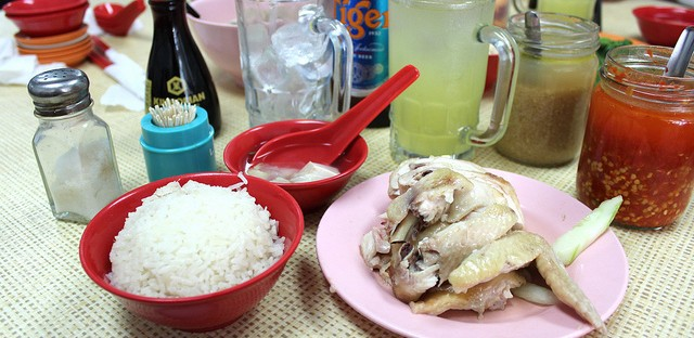 Hainanese chicken rice at Yet Con restaurant in Singapore