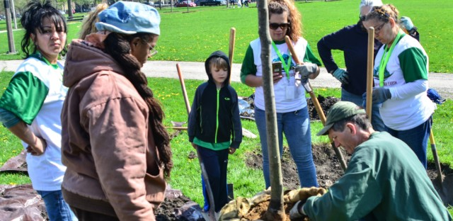 Volunteers and Park District Employee, Jerome Scott, at a 2017 Friends of the Parks Earth Day Clean-Up at Humboldt Park.