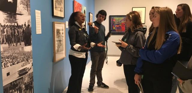 Nicole Bond Leads a Smart Museum Tour