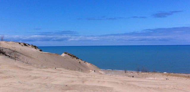 Indiana Dunes faces threats of private development
