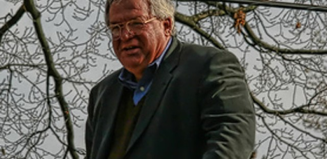 Ex U.S. Speaker Hastert indicted on bank-related charges