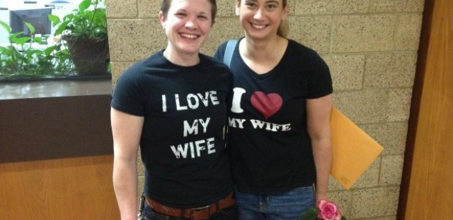 Gay marriage begins across Illinois