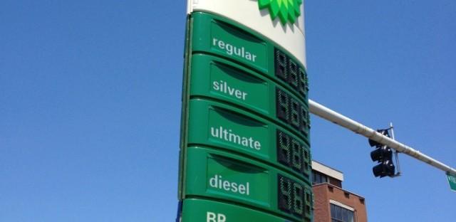 Why does Chicago still have such high gas prices?