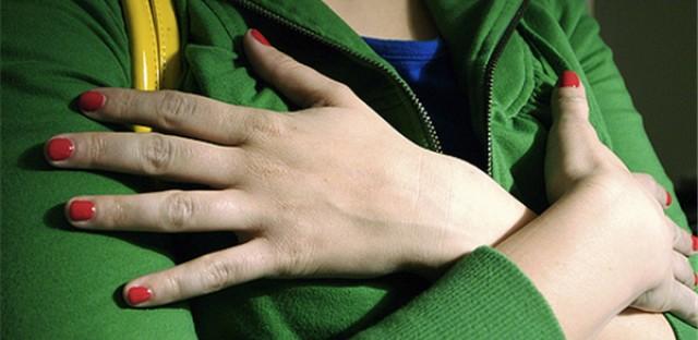 Web Exclusive: Hand Jive