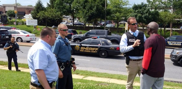 Police officers respond to a shooting at the Capital Gazette newsroom in Annapolis, Md., on Thursday.