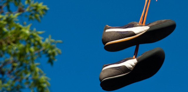 Shoes on a wire: Untangling an urban myth