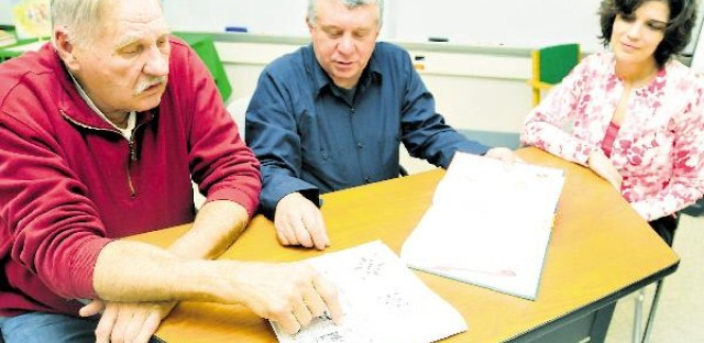 Adults without literacy: 48-year-old man learns to read