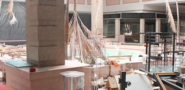 Lincoln Mall closes and puts into question future of malls