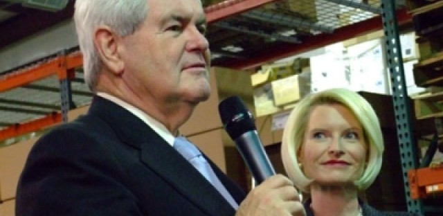 Gingrich dropping, but working it in Iowa