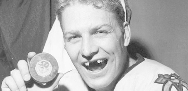 Bobby Hull to perform in Goodman Theatre production of 'A Christmas Carol'