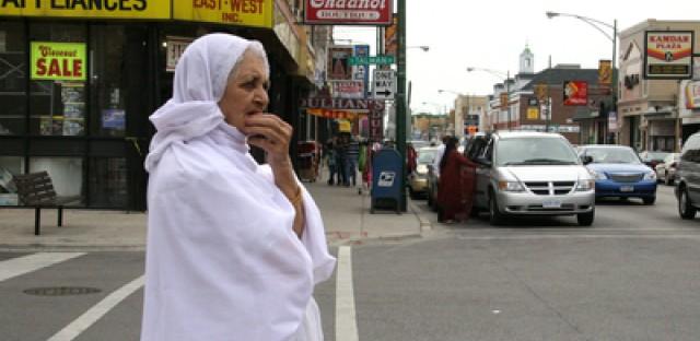 How immigration shapes Chicago's Devon Avenue