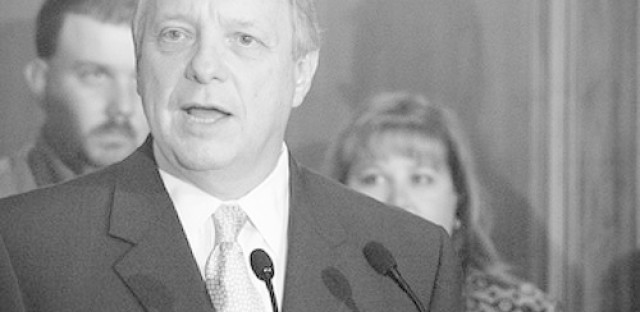 Sen. Durbin pushes for smarter sentencing laws